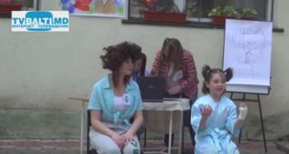 Миниатюра:Дети решают всё за родителей -КВН в центре»Дорога домой»-Бельцы