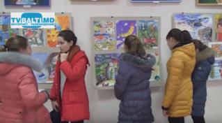 Выставка работ детской художественной школы к Рождественским праздникам в Бельцах