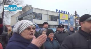Митинг у городского фонтана в связи с рейдерским захватом 12 12 14