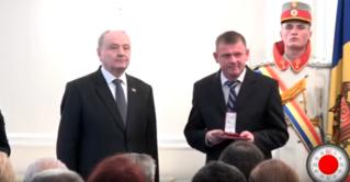 60 секунд — В последние дни президентства, Тимофти продолжил раздавать медали