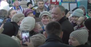 Бельчане встретили Игоря Додона аплодисментами на рынке