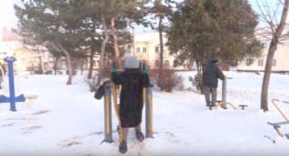Даже в зимнее время пенсионеры города Бельцы не забывают о спорте