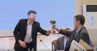 «Грязнуля года» Дорин Киртоакэ получил награду от фракции ПСРМ