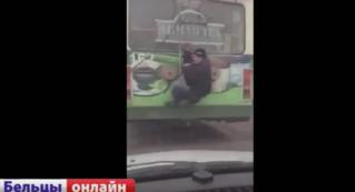 Водитель троллейбуса в Бельцах избил «зайца»