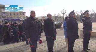 Шествие и возложение цветов к памятнику Штефан Чел Маре