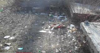 Парк Епархии в Бельцах: мусор и… много мусора!