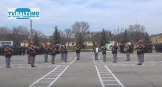 Дефиле военного оркестра 1 мотопехотной бригады Бельц