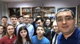 Р.Усатый приехал в Нижний Новгород к бельцким студентам.