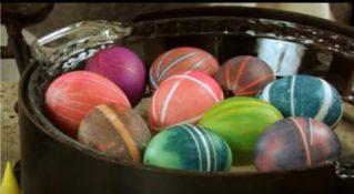 Он всего лишь обмотал обычную резинку вокруг яйца То, что у него получилось, — превосходно!
