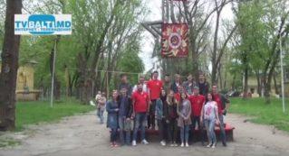 Партия ПСРМ и Молодая Гвардия обновили аллею Парка Победы в Бельцах