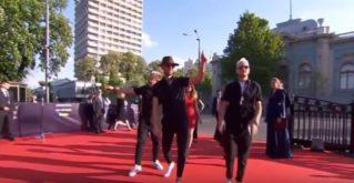 Группа SunStroke Project вышла на красную дорожку на открытии Евровидения-2017