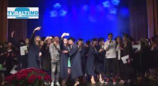 Группа» Аккорд» поздравляет бельцких выпускников мед колледжа
