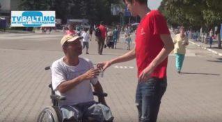 Активисты «Молодая Гвардия» и  ПСРМ помогают горожанам справиться с жарой