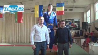 5 тысяч лей от Р Усатого лучшему дзюдоисту за технику боя-Георгий Пеливан