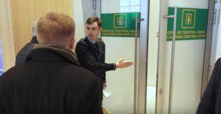 «Вот ваши паспорта и пройдем-те в самолет». Московской делегации запретили въезд в Молдову