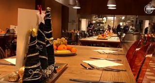 Изысканные блюда подают в столовой для бездомных в Милане