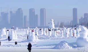 Как выглядят 2018 китайских снеговиков