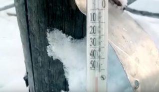 Жизнь при -65: видео из замерзающей Якутии