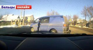 Избежание столкновения автомобилей в Бельцах