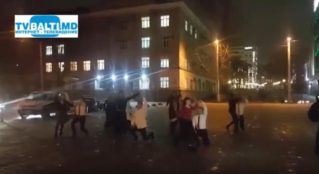 Необычный флешмоб прошёл в Кишинёве в День Святого Валентина