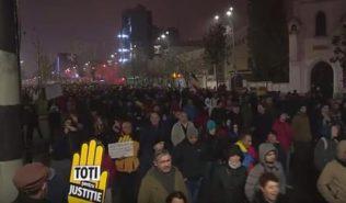 Судебная реформа в Румынии: на улицах — десятки тысяч протестующих